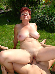 Older russian woman get banged outdoor