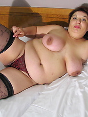 Wild momma in dark stockings masturbation