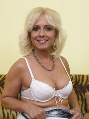 Mature housewife shows her body