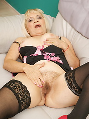Mature slut enjoying herself