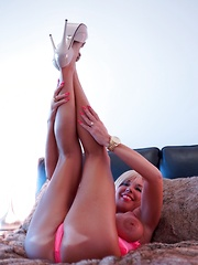 Wifey In Pink Bares All In Bed